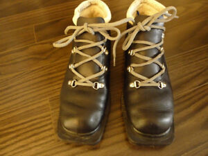 3 pin 73mm Leather Cross Country Ski Boots