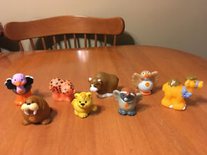 Fisher price little people lot  zoo animals