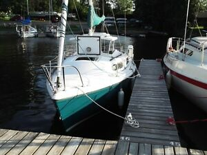 Ready to sail Sirius 21 sailboat REDUCED $500 UNTIL THANKSGIVING