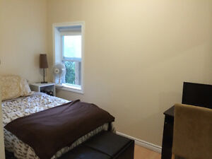 One Bedroom in FABULOUS House Steps from SLC and Queens W