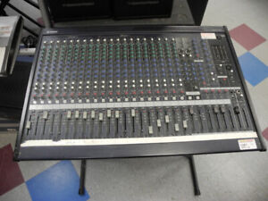 Yamaha MG24/14FX 24-Input 14 Bus Mixer with DSP Effects