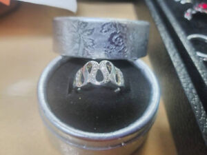 Silver plated ring, size 8, brand new