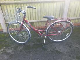 Ladies Raleigh Caprice Lovely Loop Frame Dutch Style Town Hyrbid Bike