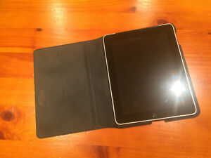 Apple iPad 1st A1337 16 GB + 3G Cellulaire AS IS Boot Loop