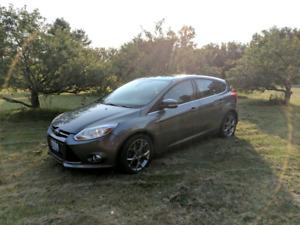 2012 Ford focus SEL - 5spd manual