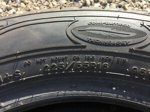 Good Year Comfortred Technology Tires For Sale 225/5516