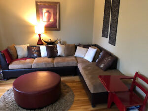 LIVING ROOM SET; Includes Beautiful Sectional Couch!
