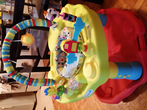 Exersaucer clean and in great condition