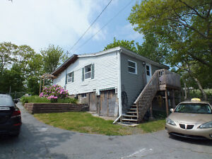 Great starter home in Central Dartmouth!!!