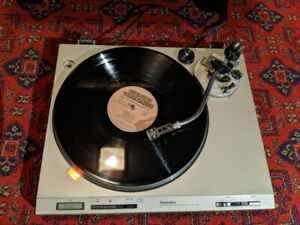 Technics vintage turntable / record player
