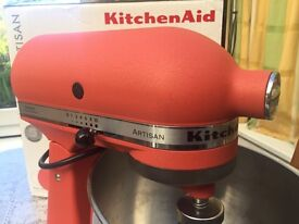 KitchenAid Artisan 4.8L - Excellent NEW condition. Ideal Xmas present