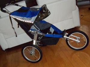 Poussette 3 roues CAVALIER CHARRIOT valeur 800$