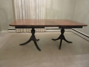 Beautiful Walnut Duncan Phyfe Dining Table Asking Only $150