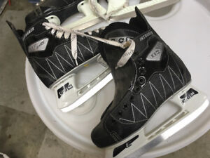 Must sell: CCM Intruder ice skates size 5 for kids for sale