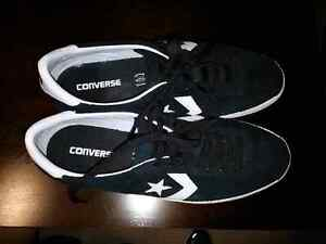 Converse shoes size 11 Windsor Region Ontario image 1
