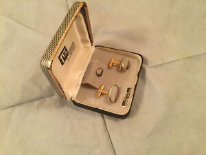 PRICE REDUCED! Vintage mother of pearl cuff links and tie pin Regina Regina Area image 2