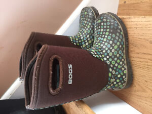 Girls Bogs Winter Boots Polka Dots Size 5