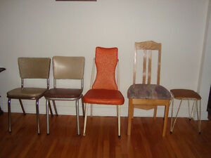 Chaise/ Chairs