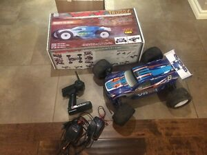 VRX TRUGGY RC car