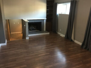 2 Bedroom 2 level Suite (Close to Blvd Lake, Children Friendly)
