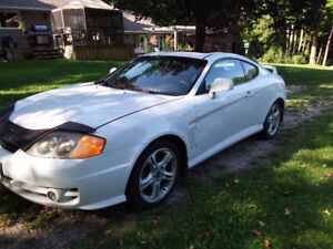 2003 Hyundai Tiburon GLR Coupe (2 door)