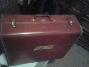 SAMSONITE SUITCASE-VINTAGE