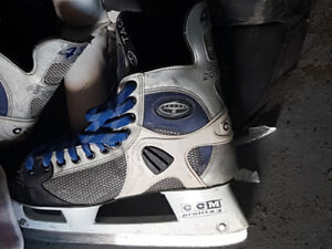 Selling both ice hockey skates mens size 11 and goalie pads