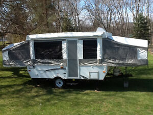 12 ft Palomino Tent Trailer good condition