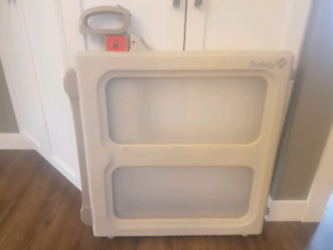 Safety 1st - Perfect Fit Baby Gate