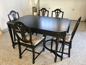 Antique Dining Table and Chairs London Ontario image 3