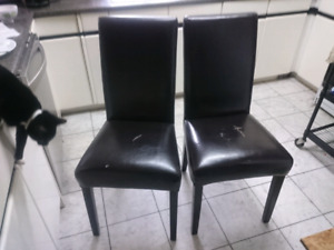 2 DINING ROOM CHAIRS DARK BROWN LEATHER $10