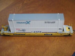 HO scale double stack car with containers