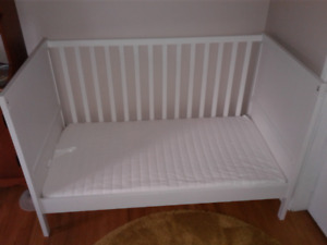 Baby Crib/Toddler Bed  IKEA Sundvik