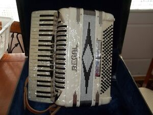 piano accordion Cambridge Kitchener Area image 1