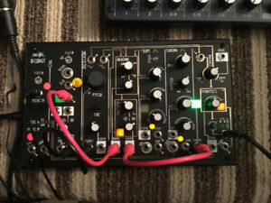 MAKE NOISE 0 COAST MODULAR SYNTH