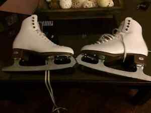 Riedell TS 133 women's figure skates