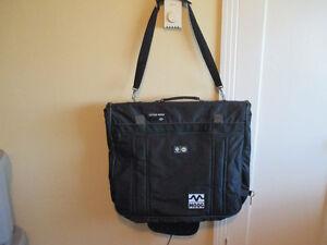 sac (valise) de voyage pour vêtements