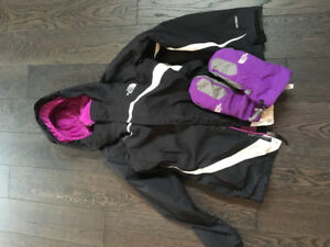 North Face Girl's 10/12 Winter Jacket and Mitts