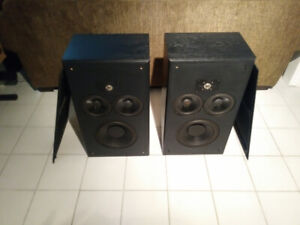 Polk Audio Monitor 10C speakers
