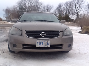 2005 Nissan Altima 2.5 S Extra Sedan (E-Tested & Certified)