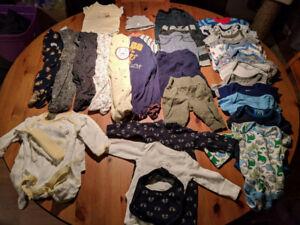 Lot de vêtements pour garçon 0-3 mois (35 mrcx)