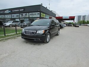 2015 Chrysler Town & Country Touring Limited Sold