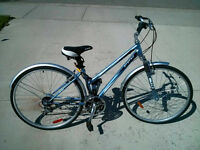 Women's CCM 18-Speed Commuter Bike /w U-Lock & Cable NEVER USED