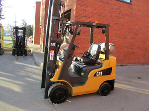 2011 Caterpillar forklift 5000LB Cap nice and really clean
