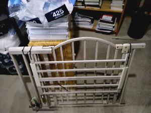 FS: Safety 1st Extra Wide Safety Gate