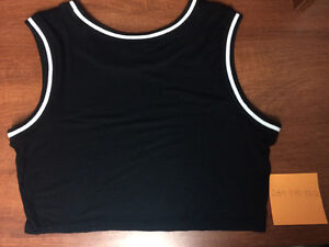 Black & White Crop Top for sale Oakville / Halton Region Toronto (GTA) image 2