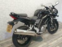 2015 (65) SUZUKI SV650 S FINISHED IN BLACK WITH ONLY 4444 MILES.