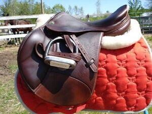 SELLE CLOSE CONTACT JUMPING SADDLE PRESTIGE