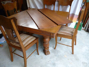 Oak Clawfoot table & 5 chairs Kawartha Lakes Peterborough Area image 1