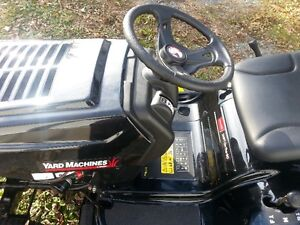 Yard Machines 14.5 HP Lawn Tractor for Sale 2016 Cornwall Ontario image 3